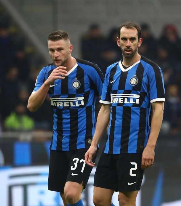Clamoroso Godin: addio Inter, l'uruguaiano vicino al Cagliari!