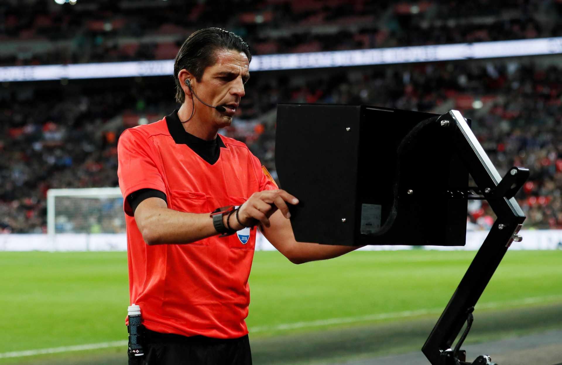Il ruolo dell'arbitro: parla Robert Madley