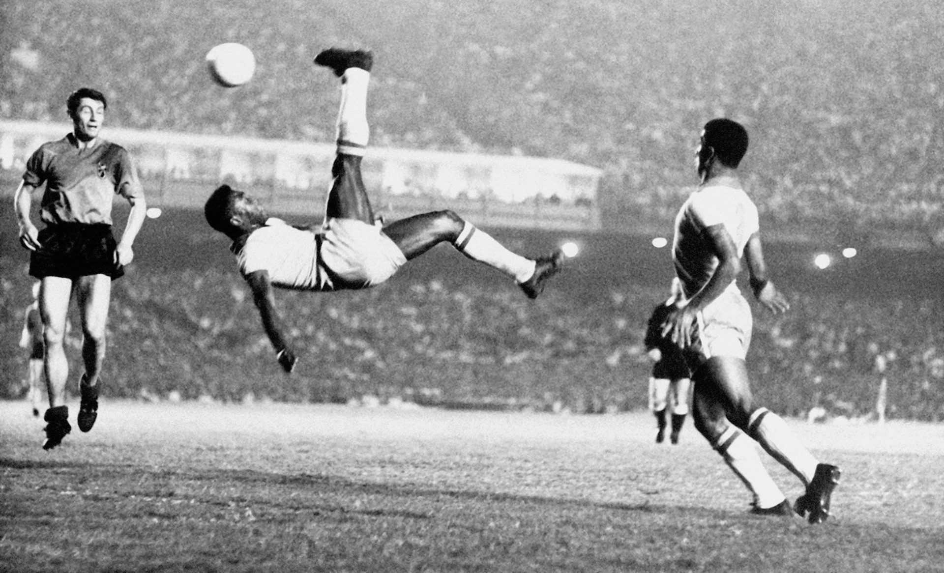 80 anni di leggenda: auguri a Pelè, mito del calcio mondiale