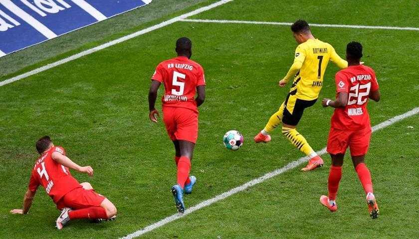 Coppa e lacrime: si ritira Piszczek del Borussia Dortmund