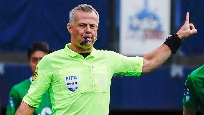 L'arbitro olandese Björn Kuipers annuncia il ritiro dal calcio