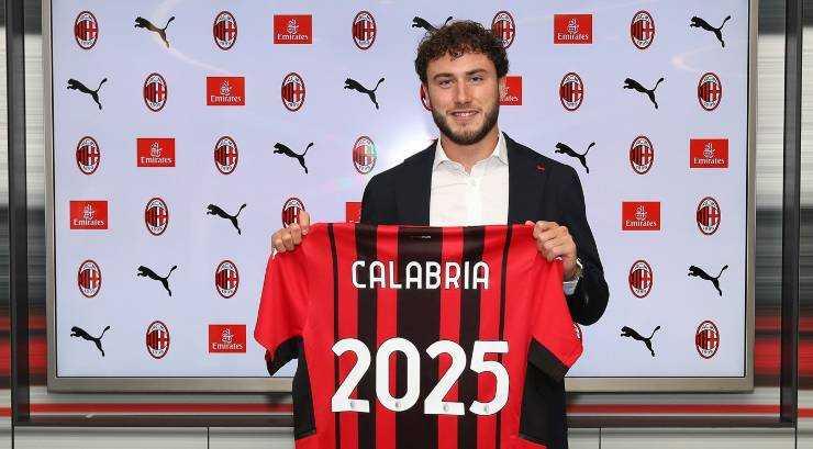 UFFICIALE - Davide Calabria firma il rinnovo con il Milan