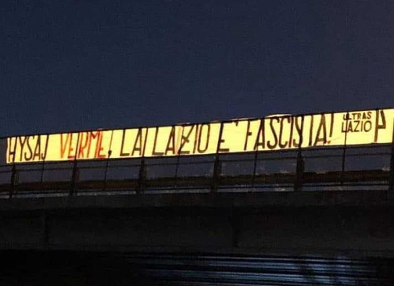 Lazio, la società difende Hysaj dopo lo striscione degli ultras
